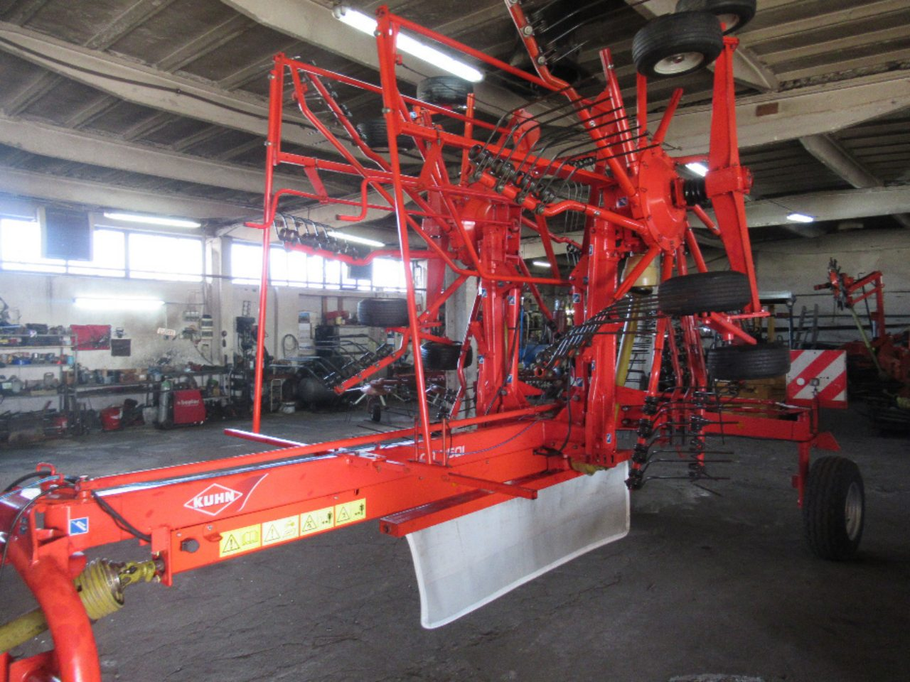 KUHN GA750